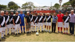 Evento no Natal Solidário de Valinhos recebeu ex-jogadores de Ponte e Corinthians